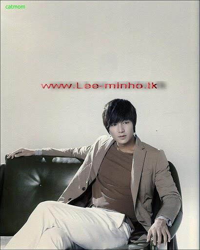 http://lee-minho.persiangig.com/pictures/park%20min%20young/310799_226857020699571_141318529253421_706100_1969765_n.jpg